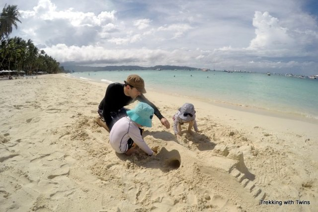 2014 Christmas Letter | Trekking with Twins