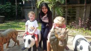 Gu E-pup Zaa with the twins | Photo Credit Gu E-pup Zaa